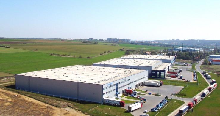 Projekt logistického centra Tulipán Park v Praze realizovala společnost Centroprojekt ze Zlína