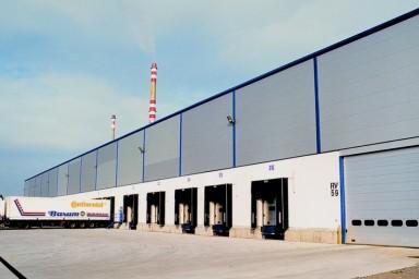 Projekt skladu pneumatik v průmyslové hale realizoval Centroprojekt pro Continental v Otrokovicích