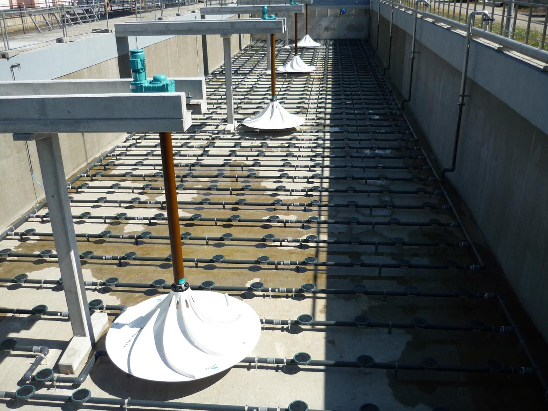 Dodávka hyperboloidních míchadel HYPERCLASSIC a provzdušňovacího systému iDISC společnosti INVENT do aktivačních nádrží