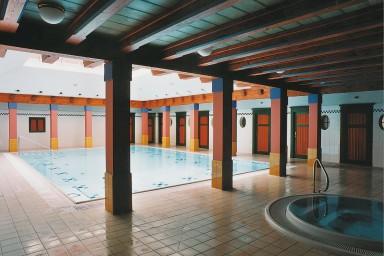 Projekt rekonstrukce bazénu a dalších aktivit v Jurkovičově Lázeňském domě v Luhačovicích
