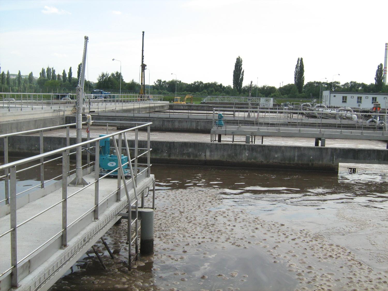 Dodávka 8 ks hyperboloidních míchadel HYPERCLASSIC společnosti INVENT do aktivačních nádrží
