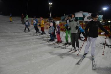 Zimní akce pro zaměstnance Centroprojektu, tentokrát lyžování na zlínském svahu