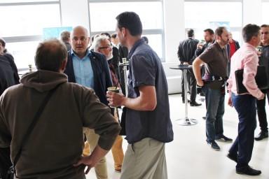 V předsálí konference #BIPzlin probíhaly živé diskuse při výborné kávě.