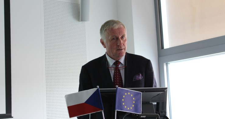 Na konferenci Budoucnost | Investice | Projekty, kterou pořádal zlínský Centroprojekt, vystoupil také Ing. Mirek Topolánek, bývalý premiér ČR