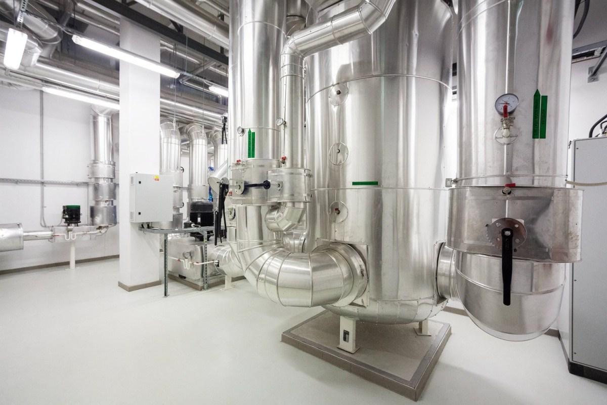 Energy source for BIOCEV