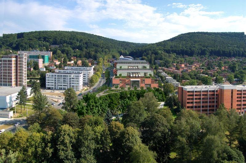 Společensko-obchodní centrum Kaskáda na ulici Březnická ve Zlíně