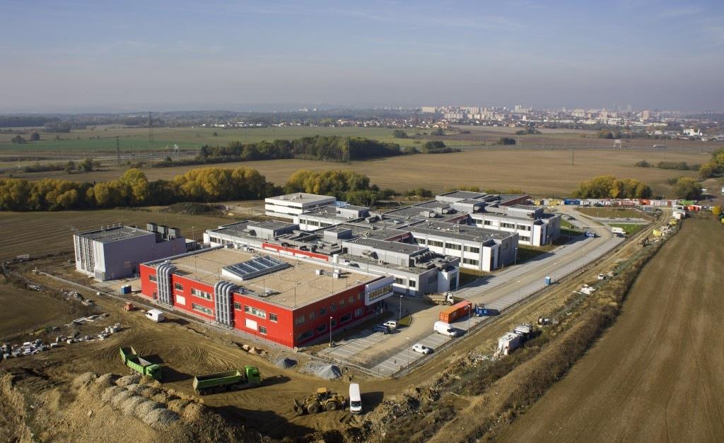 Centrum fenogenomiky včetně zvířetníku v areálu BIOCEVu podle projektu Centroprojektu