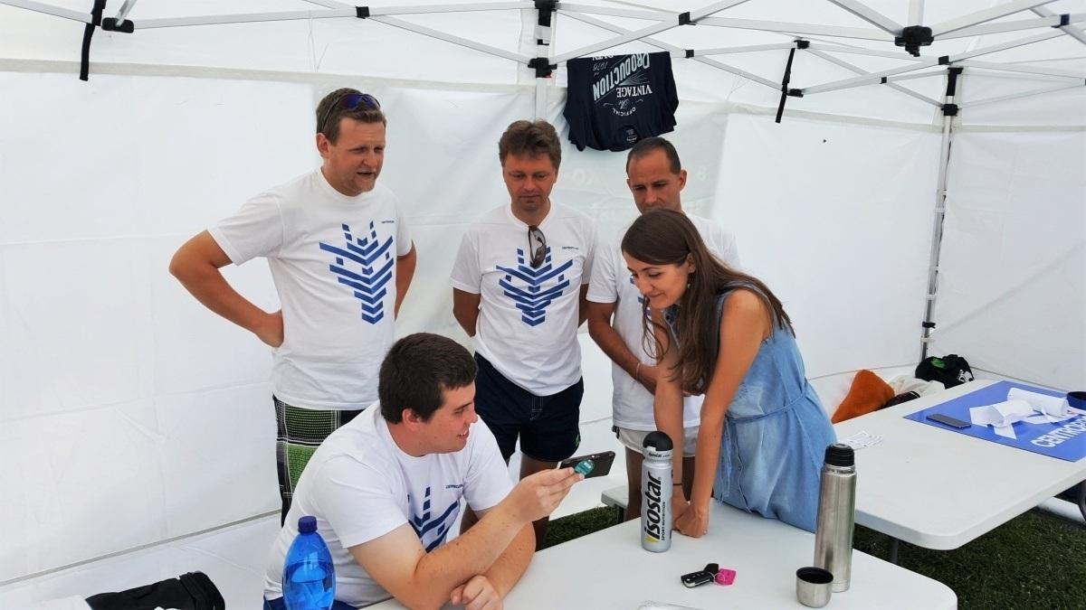 Závody dračích lodí v Otrokovicích absolvovala také posádky projekční kanceláře Centroprojektu